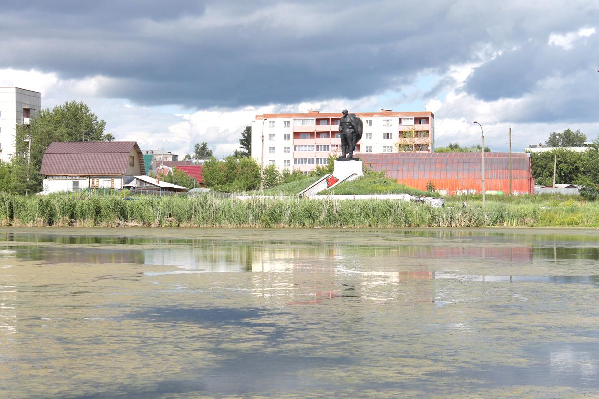 В Каслях берег Красногвардейского озерка укрепят габионами