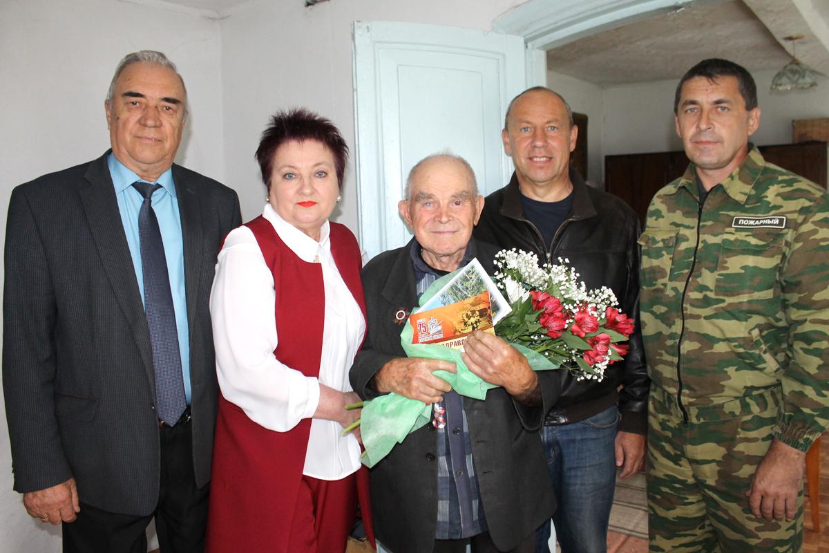 Александр Фишер, Лариса Лобашова, Иван Кузьмич Ромашов, Сергей Беляев, Андрей Слободчиков