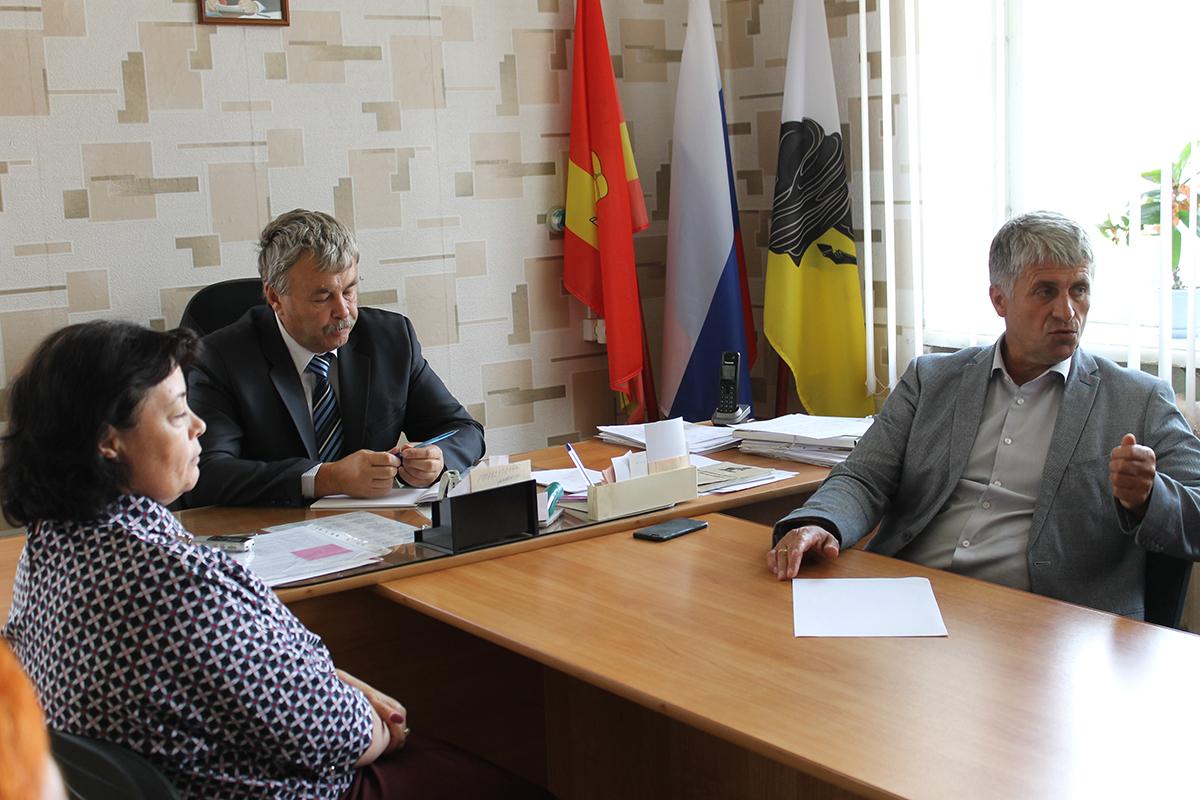 В Береговом прошла встреча главы Каслинского района с депутатами
