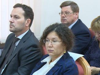 Павел Киселев (слева) на Трехсторонней комиссии