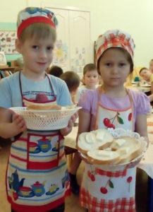 Дежурные Слава Татарников и Диана Байтурина