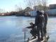 На водоемах Каслинского района сотрудники МЧС оперативно установили аншлаги-предупреждения