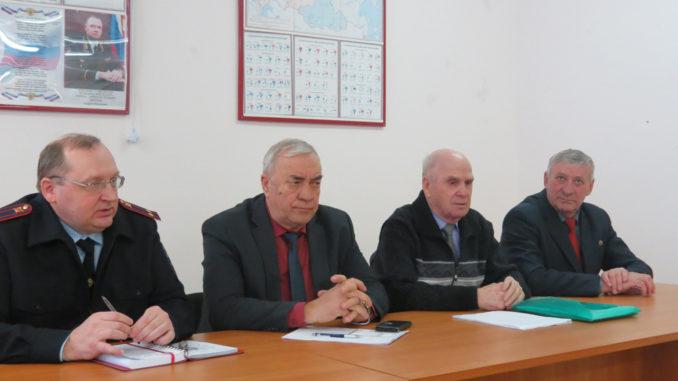 Каслинские общественники и ветераны МВД за работой