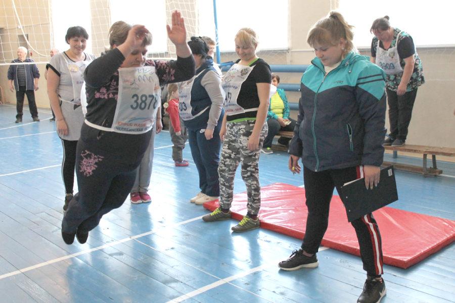 Шабуровские ветераны продемонстрировали свою прыгучесть