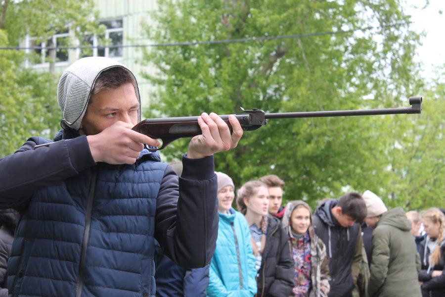Вижу цель – стреляю метко