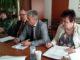 Глава Каслинского муниципального района обозначил равномерное разделение суммы в 500 тыс. руб. на разработку проектно-сметной документации на сквер около ДЮСШ по двум муниципальным программам, для нивелирования проблемы разграничения земельных участков