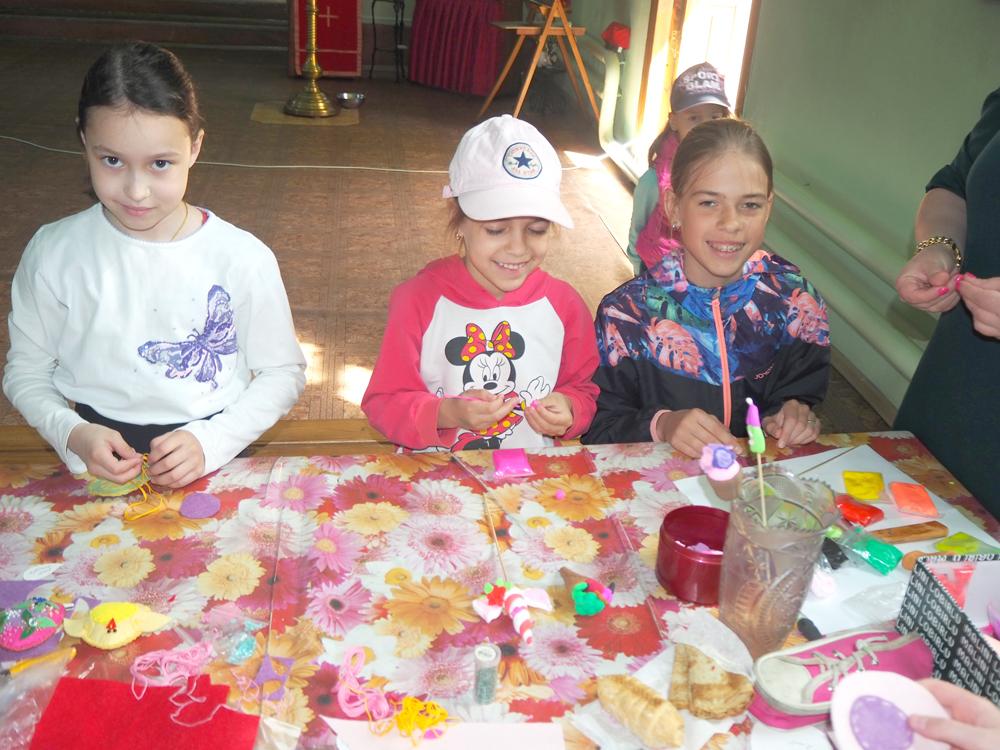 Дети получили удовольствие от процесса создания поделок на мастер-классе
