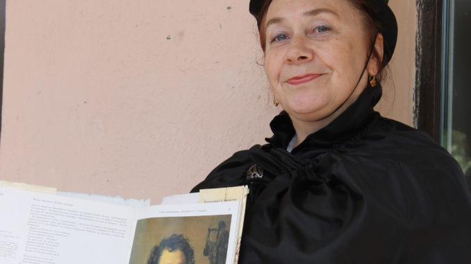 В Каслях провели флеш-моб «Читаем стихи Пушкина»