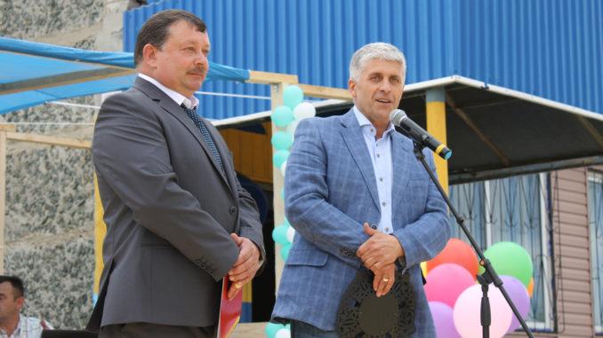 Анатолий Руфович Титов и Игорь Владиславович Колышев поздравляют жителей с юбилеем села