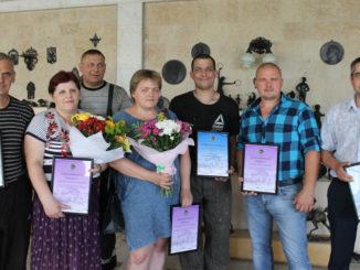 Работники ООО «Каслинский завод архитектурно-художественного литья» получили награды в честь профессионального праздника