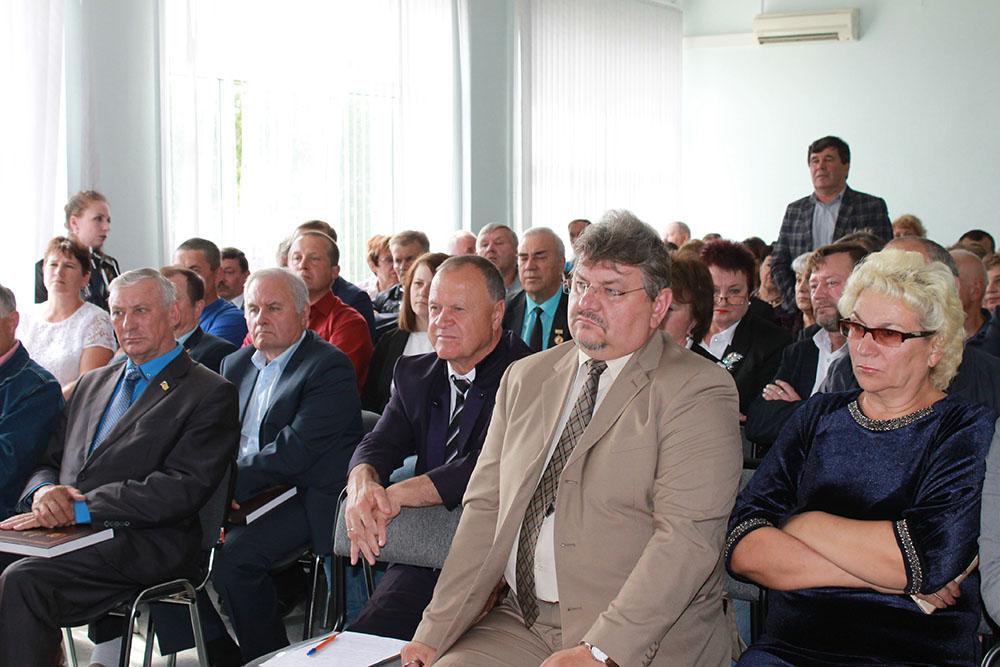 Руководители и представители городских и сельских поселений района на встрече с врио губернатора