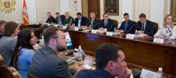 Глава региона Алексей Текслер на встрече с участниками конкурса «Лидеры России»