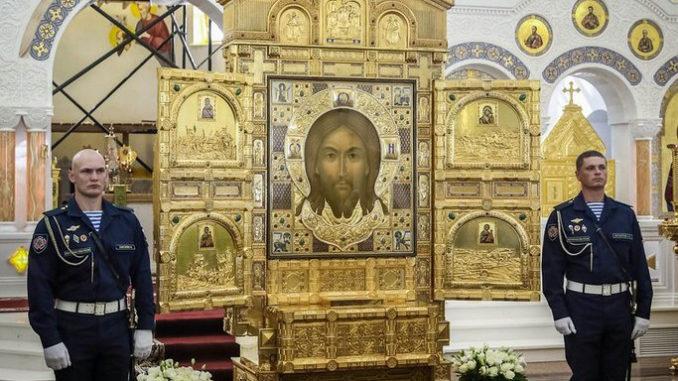 В Челябинск привезли икону главного храма России