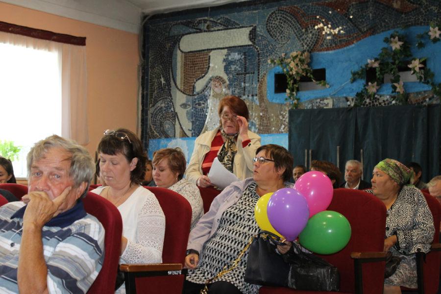 Жители села Огневского на встрече с главой района