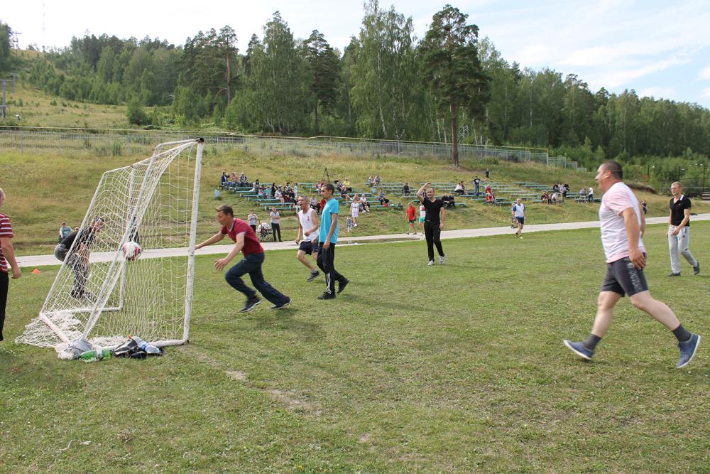 Турнир по мини-футболу среди цехов Вишневогорск