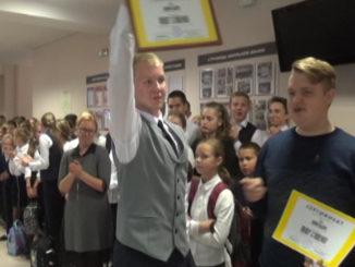 Якову Сташенко вручили свидетельство президента школы №24