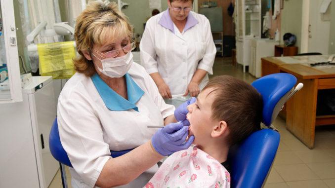 В школах появятся стоматологические кабинеты