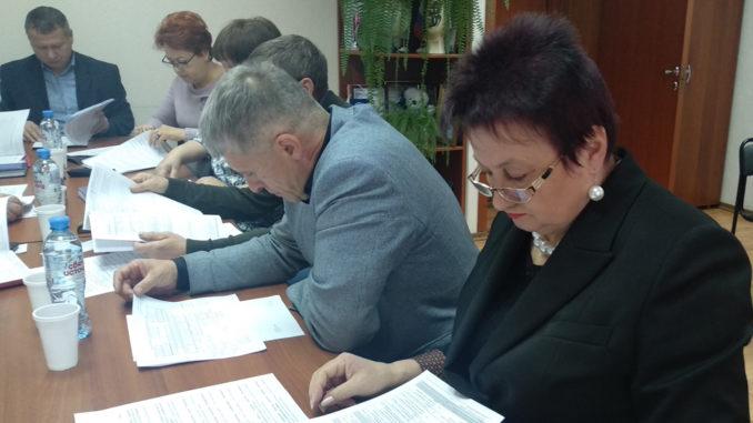 Профильная комиссия одобрила изменения в бюджет и в структуру администрации Каслинского района