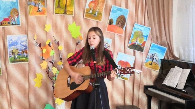 Поет Валерия Атажанова