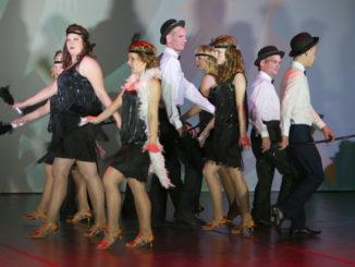 Коллектив «Ровесник» на гала-концерте с танцем «Чарли»