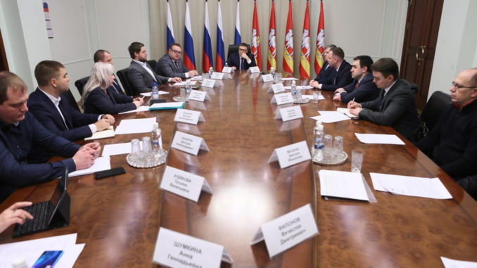 Губернатор Алексей Текслер встретился с представителями агропроизводителей и торговых сетей