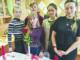 Наталья Манузина (справа) с одногруппниками