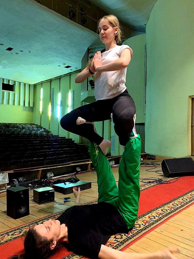 Уроки по технике Сontemporary dance прошли в Каслях