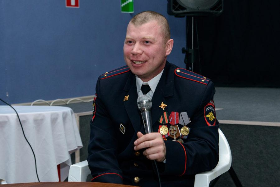 Владимир Шулика отвечает на вопрос студенток техникума