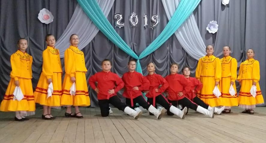 Танцевальный коллектив «Русь» Вишневогорского ДК «Горняк»