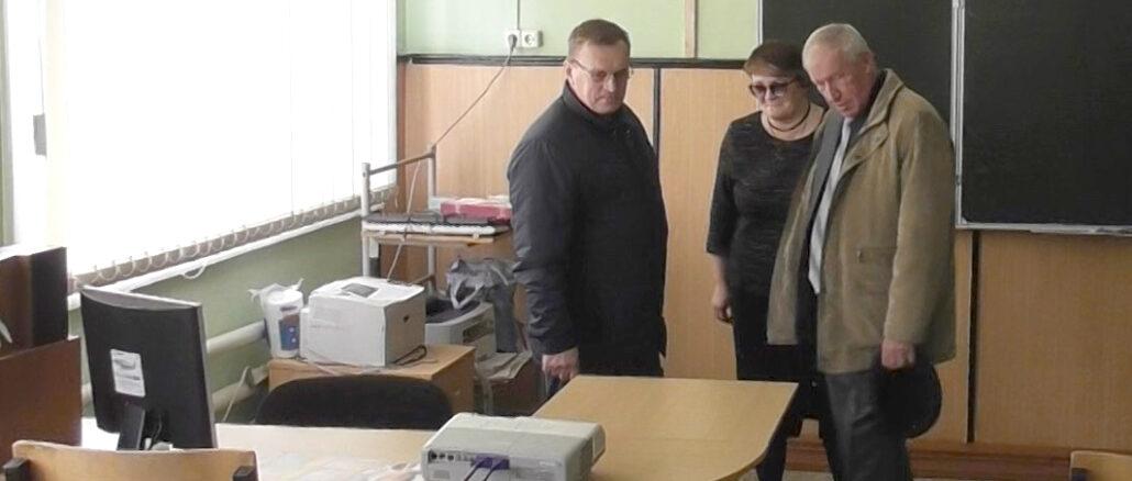 Александр Теплых и Николай Гвоздев в Багарякской школе