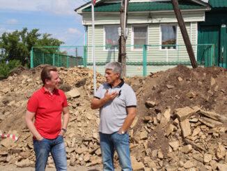 Владимир Бурматов и Игорь Колышев на ул. Пролетарской