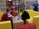 Первые посетители знакомятся с возможностями модельной библиотеки