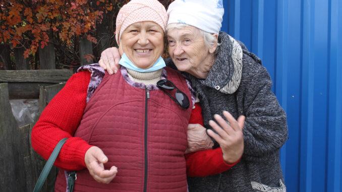 Бибинур Шариповна Сафина со своей подопечной Еленой Прокопьевной Самольяновой